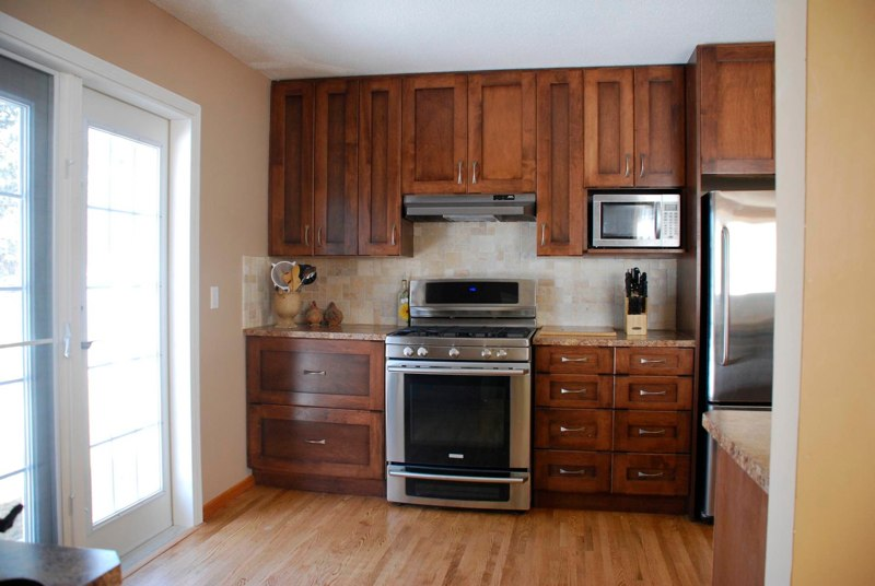 Custom kitchen cabinets calgary evolve kitchens for Cupboards and cabinets