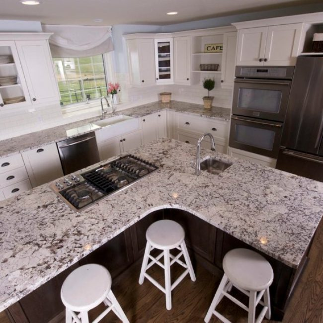 White lacquer kitchen cabinets evolve kitchens for Best lacquer for kitchen cabinets