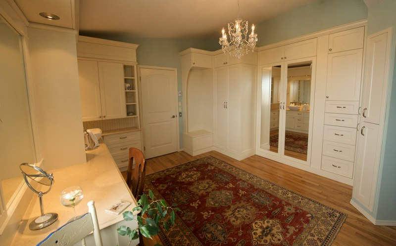 Closets and Laundry Cabinets