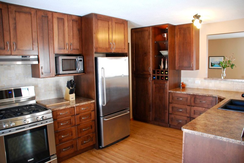 Custom kitchen cabinets calgary evolve kitchens for Kitchen cabinets 60056