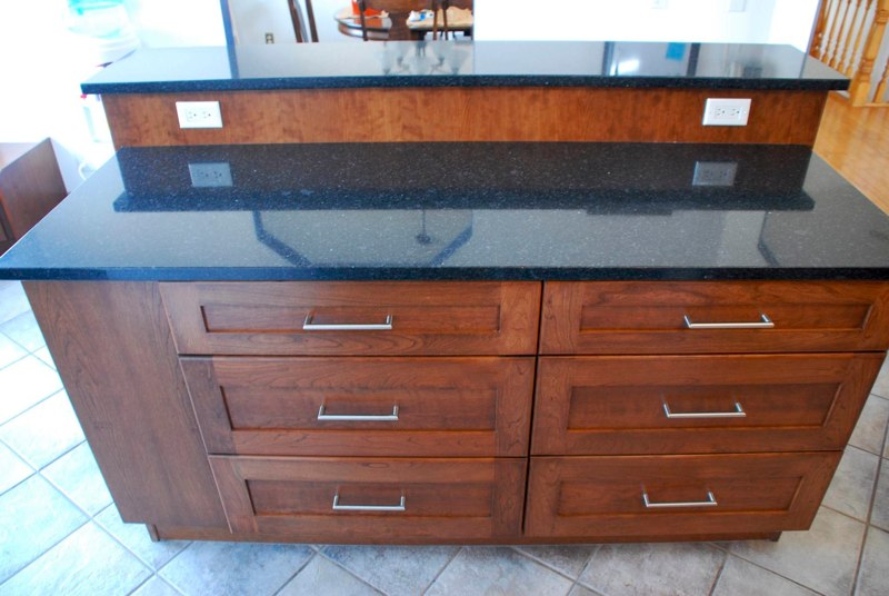 Custom kitchen cabinets calgary evolve kitchens for Custom made kitchen islands